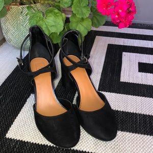 14th & Union Black Round Toe Ankle Strap Heel 8.5